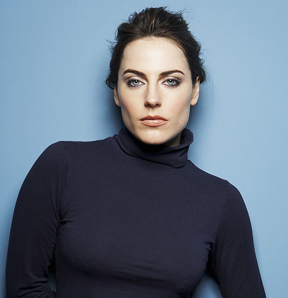 What Is Antje Traue's Relationship Status? Married Or Busy Reading Scripts?