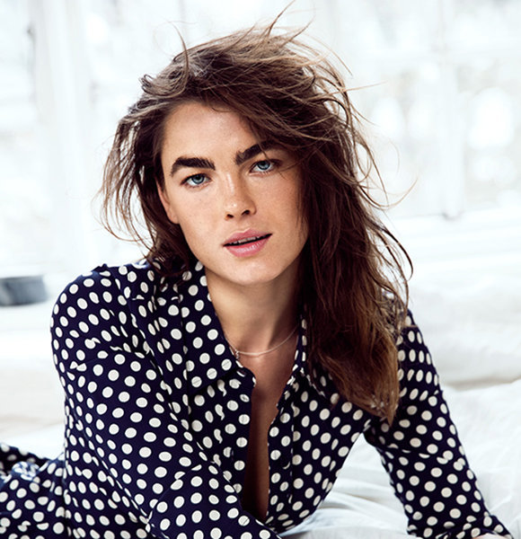 Bambi Northwood-Blyth, 27, Contemplating Divorce? Appears Without Wedding Ring