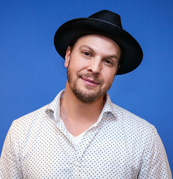 Gavin DeGraw Isn't Married; Lovingly Dating - Too Busy For Anything Else