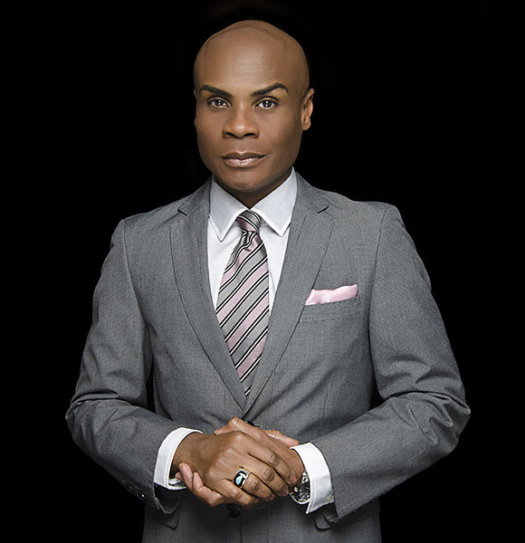 The openly gay actor/singer 'Nathan Lee Graham' lives a life filled with Fun and Excitement