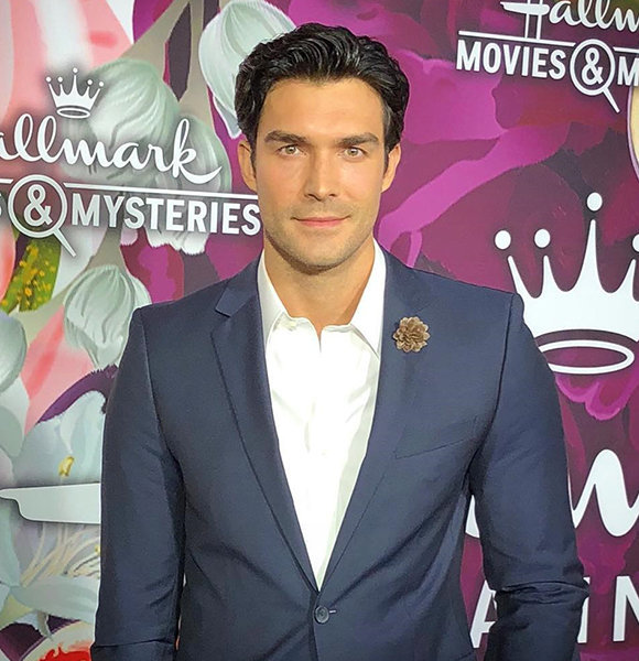 Is Peter Porte Gay? The Shirtless Heartthrob Swooning Everyone Around
