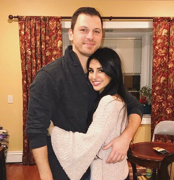 Albie Manzo In Love With Girlfriend! Getting Engaged On The Bachelor's Mind?