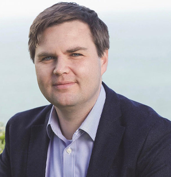 J. D. Vance Adorable Family Photo; Who Is Wife Of 'Hillbilly Elegy' Author?