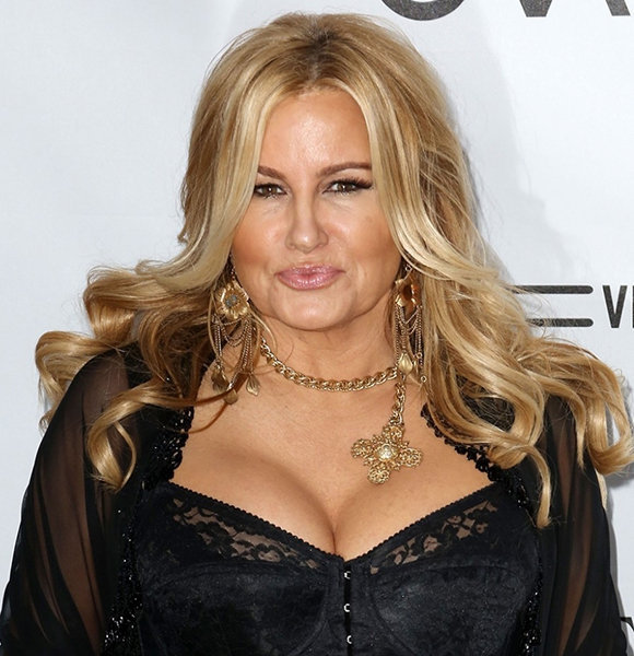 Is Jennifer Coolidge Married? Interviews Hinting On A Husband?