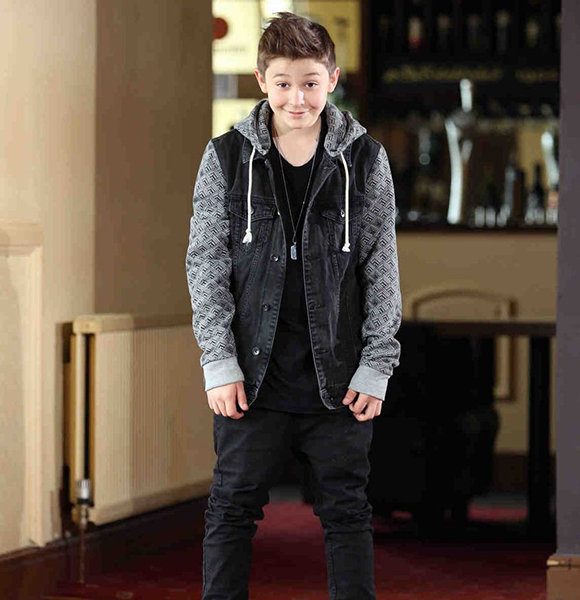 Bars And Melody's Leondre Devries Dating Girlfriend Carla; Net Worth & Siblings Details