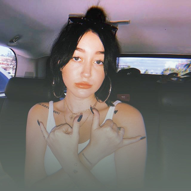 Is Noah Cyrus Related to Miley Cyrus? Who Is She Dating Now?