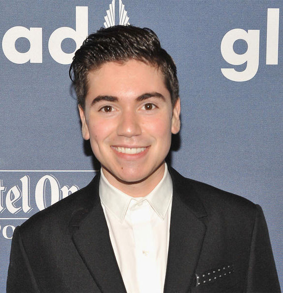 Is Noah Galvin Gay With Boyfriend? Dating Status Now Questions Sexuality