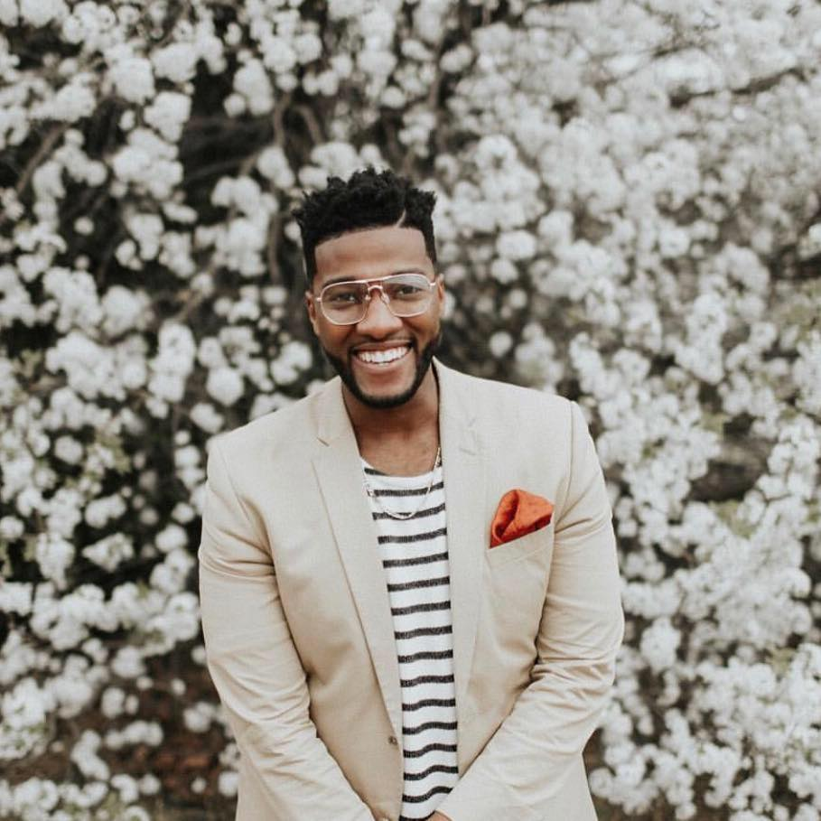 Pastor Michael Todd Bio, Age, Wife, Net Worth
