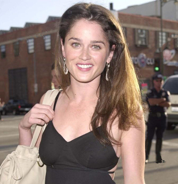 Robin Tunney Engaged For Years, Where's Movies & Shows Actress Today?