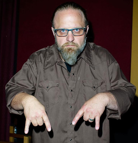 Shawn Crahan Hefty Net Worth At Age 49! Mask History & Family With Wife