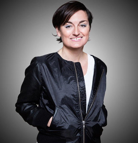 Zoe Lyons Candid On Partner/ Wife; Lesbian Love At Finest