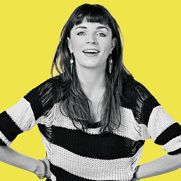 Hot Comedian Aisling Bea, Moved to England, After Break-Up with Boyfriend: Best Decision Made?