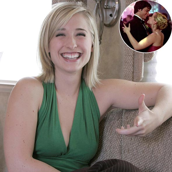 Allison Mack's Dating History: Engaged to Two, Married to None, Seems She Has Not Found Her Perfect Husband!