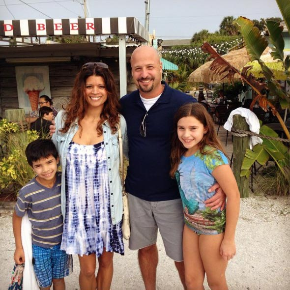 Family Girl, Andrea Navedo, Chilling With Husband and Children in Beach Haven: Married Since 2000