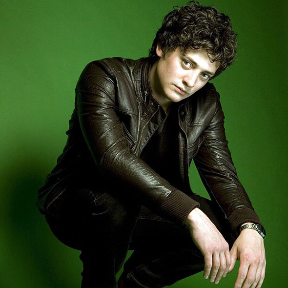 Aneurin Barnard's Girlfriend: Is he Dating Someone? Or Is He Gay?