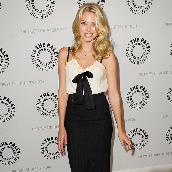 Beautiful Actress April Bowlby: Is She Dating Someone? Who is her Boyfriend? Or Is She Married? Husband?