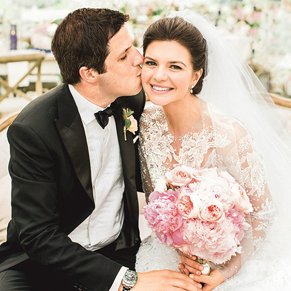 Casey Wilson And Her Spectacular Wedding With Film Maker Husband; Weight Loss Caused Trouble In Perfect Life?