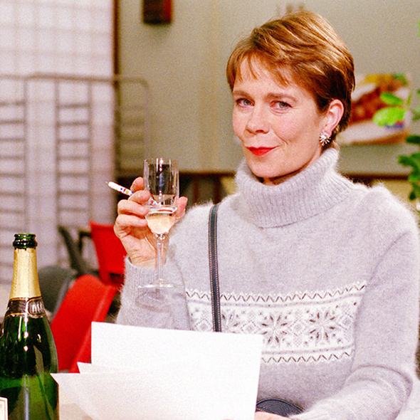 Actress Celia Imrie: Ready to Answer her Young Age Question about Married Life, Past Partner Issues, Lesbian?