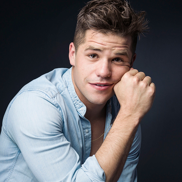 Charlie Carver Just Needed A Quote To Come Out As A Gay Man; Has A Boyfriend?