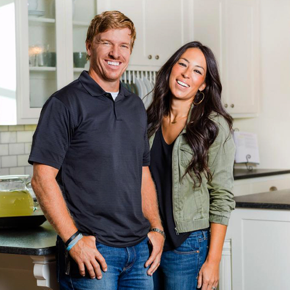 Chip Gaines And His Rock-Solid Married Life Having A Wobbly Experience? Husband Wife To Get A Divorce?