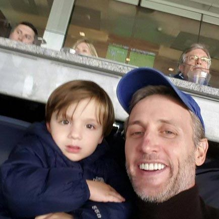 Not Married Yet! Dan Abrams, Happy to be With Son: Spotted Strolling with Girlfriend and Pre-school Kid