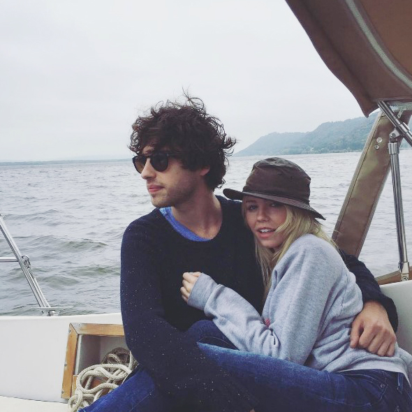 The Fosters Actor David Lambert Is Simply Flaunting His Girlfriend Among His Fans; Reveals About Siblings Too