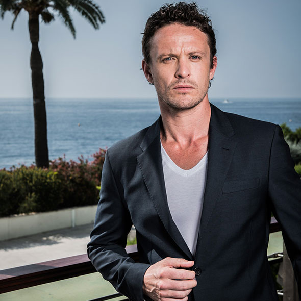 Attractive Actor David Lyons: Is He Dating Someone? Girlfriend Or Is He Married? Wife, Gay Rumors