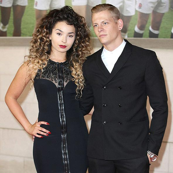 Ella Eyre Dating With Drummer Boyfriend: Don't Brag About Their Relationship in Social Media