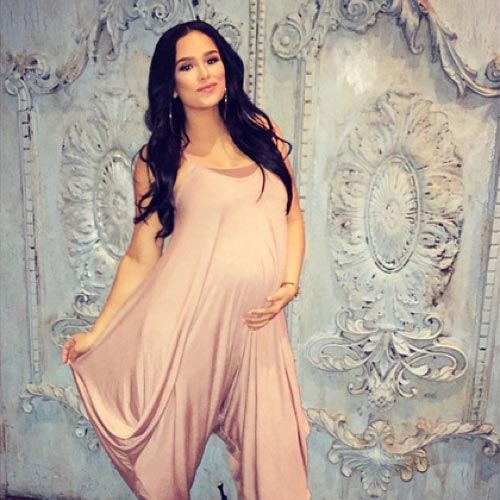 Mother of Sexy Daughter, EmilyB (Emily Bustamante) is Pregnant: Expecting Third Baby