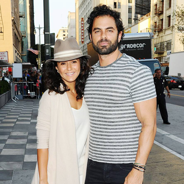 Emmanuelle Chriqui Has Quite The Handsome Guy As Her Boyfriend To Fade Off Lesbian Rumors; Thinking To Get Married?