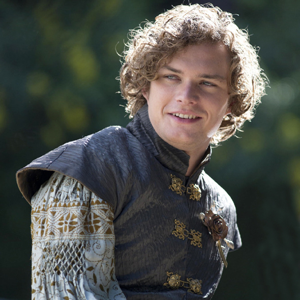 Finn Jones Questioned To Be A Gay After His Gay Role In Game Of Thrones But What About Girlfriend and Dating?