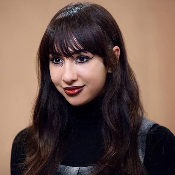 Jackie Cruz Shared On-Screen Kiss With A Girl But Does That Make Her A Lesbian? Any Dating Affair That Might Revert The Rumors?