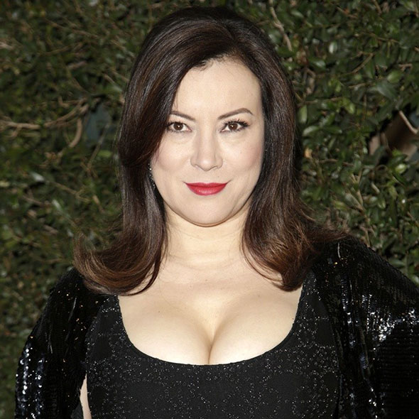 Is Jennifer Tilly A Lesbian Or Has Someone To Call Husband? Busy With Career Right Now?