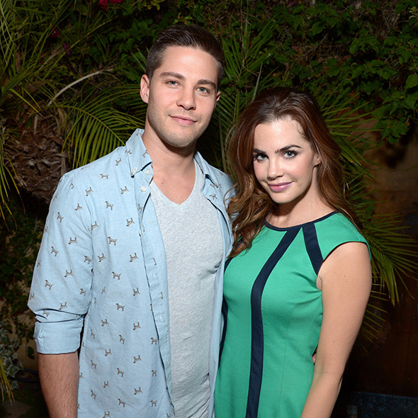 Stepping One Step Forward From Dating Affair Jillian Murray Gets Engaged To Actor Boyfriend