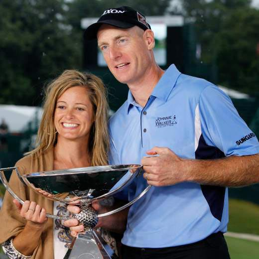 Wife as a Fan, Jim Furyk is Helping Families in need During Victory Drought? Veteran Golfer's win Majors plus Married life