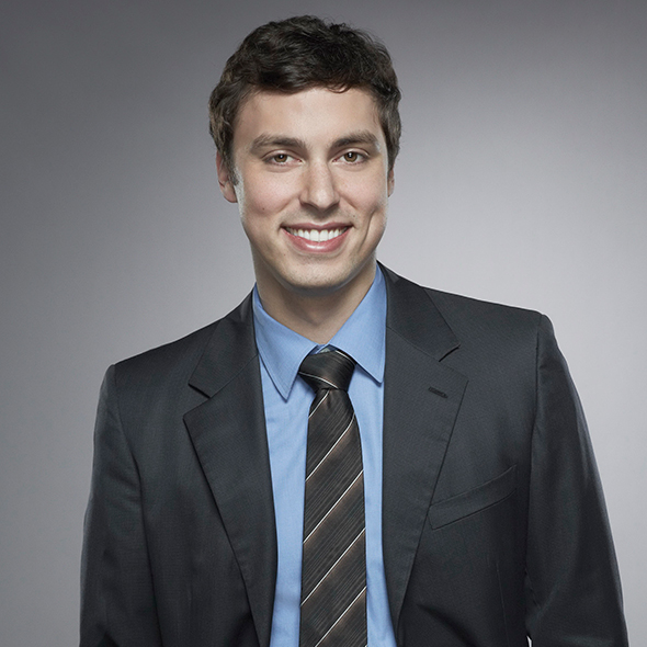 John Francis Daley Is A Rumored Gay Man; Do The Claims Possess Any Truth Or Does He Has A Hidden Girlfriend?