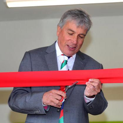 BBC And ITV Broadcaster John Inverdale Opens a Community Cafe For Pupils! Inspired By His Daughter For That?