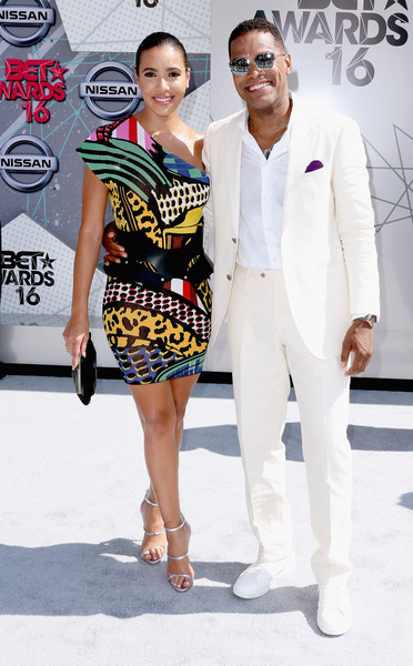 maxwell black single women We've asked single black men to share some of the real perceptions floating around about dating black women essence may receive compensation for some links to.