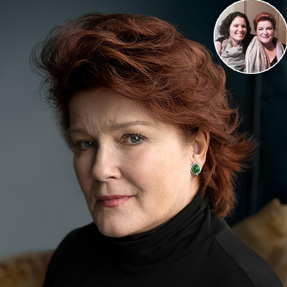 Awesome! Beautiful Actress Kate Mulgrew Reunites With Her Daughter Danielle After 22 Years!