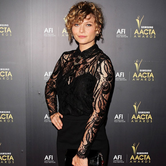 Wentworth's Leeanna Walsman's Dating: Many Onscreen Boyfriend and Husband, What About Reality?