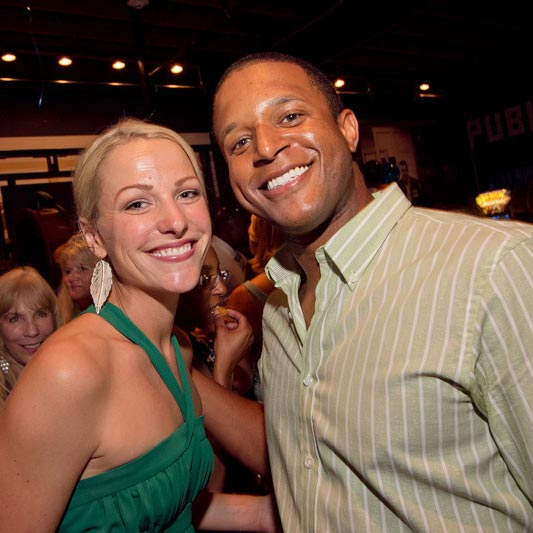 Happily Married With Journalist Husband, ESPN's Lindsay Czarniak is Pregnant?