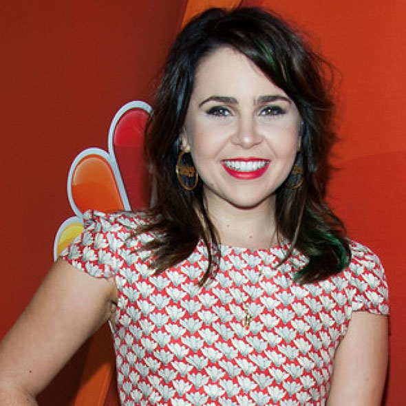 Beautiful Mae Whitman: Is She Dating Someone? If So, Who is Her Boyfriend?