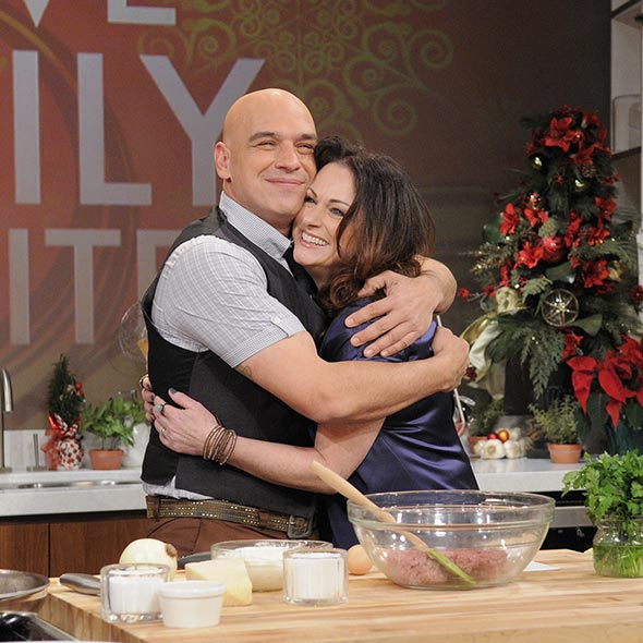 Michael Symon: New York Restaurants Lover; Married to Liz, Spends Downtime With Wife