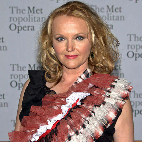 Actress Miranda Richardson Secretly Married? Or Is She Still Searching For a Perfect Husband?