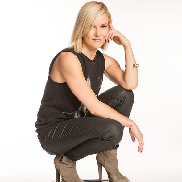 Actress Cum Sports Broadcaster Renee Young, Who is She Dating With? Pregnant With Her Boyfriend?