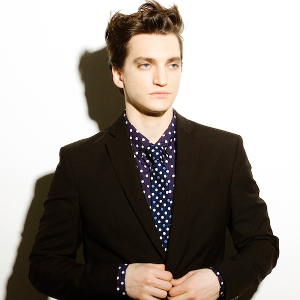 Is Richard Harmon A Gay Off-Screen Too Or Just A Rumor Because Of A Beautiful Girlfriend?