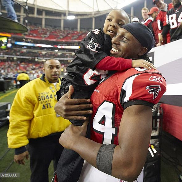 Free Agent Roddy White: Where he would be on Fantasy Football Now? Stats, Injury. Family, Wife, and Children