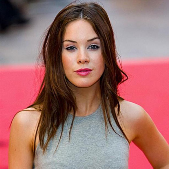Roxanne McKee Talks About Dating Struggle But Is It With A Lesbian Partner? Secretly Married Or Has A Boyfriend Now?