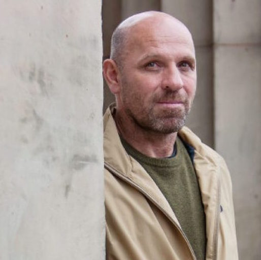 """Scottish Artist Peter Doig in Bizarre Lawsuit: Said """"Nice Painting, But Not By Me"""""""