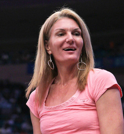 Sue Wicks: Pioneer in WNBA to Come Out as Lesbian. Amazing Career as Player and Coach